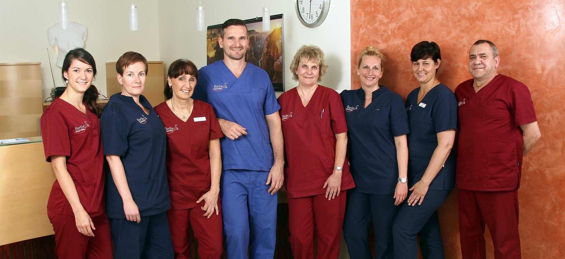 Zahnärzte und Mitarbeiter des Teams von Belleza in Berlin.