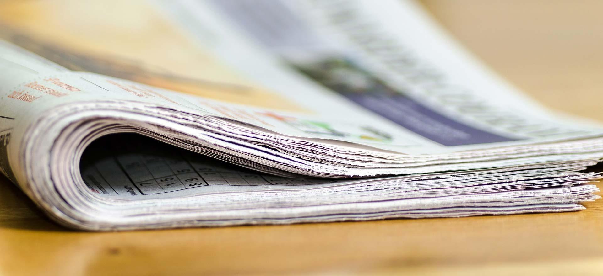 Zeitung mit Neuigkeiten aus dem Belleza-Zentrum für Implantate aus Berlin.
