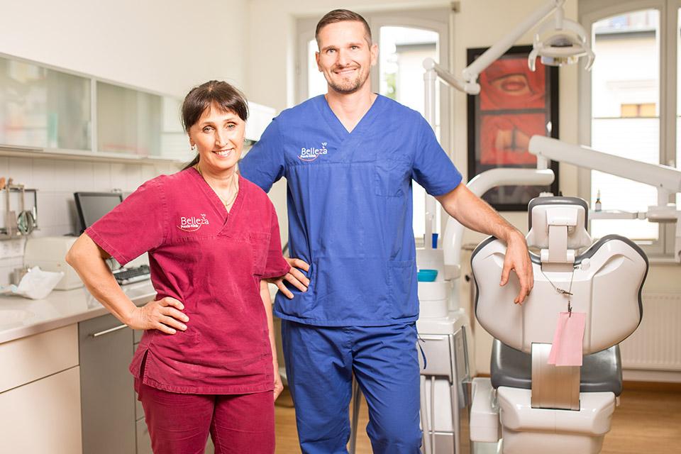 Dr. Dr. Irina Brzenska M.Sc. und Tobias Dieke sind Implantologen in Berlin.